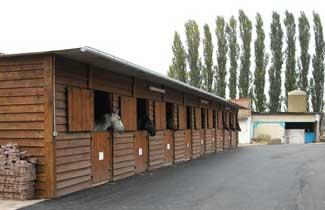 Centre équestre de Bertaucourt - Les boxes