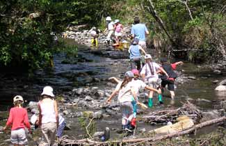 Activité rivière à la Fontaine de l'Ours