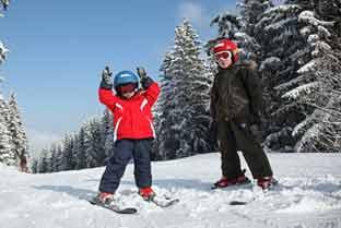 Faire du ski avec des mineurs : conditions d'encadrement